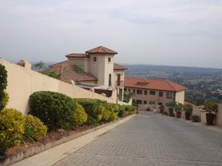 Property For Rent in Constantia Kloof, Roodepoort