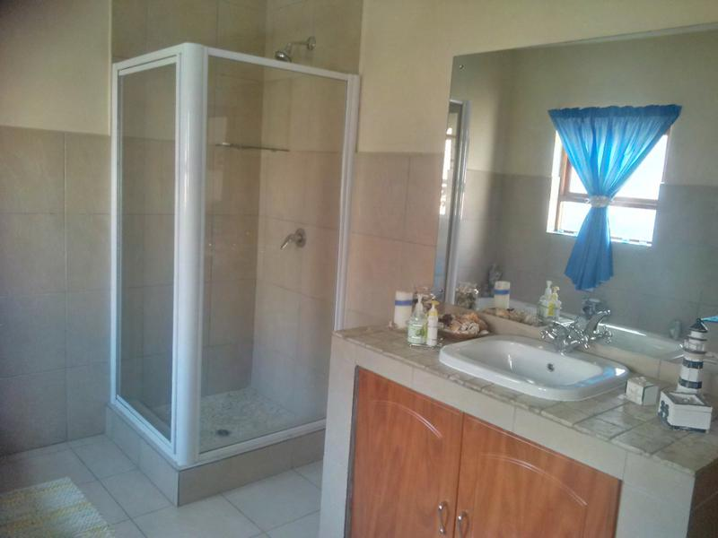 Property For Rent in Little Falls, Roodepoort 15