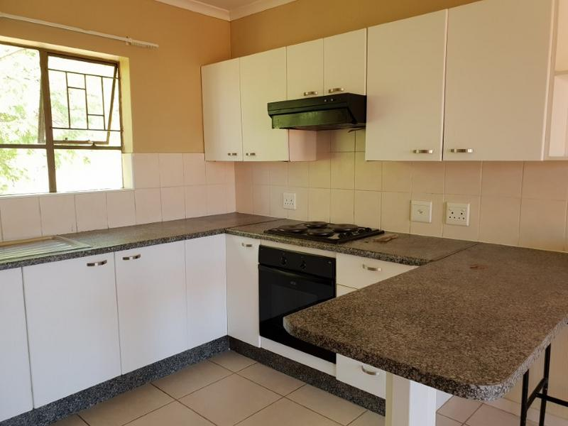 Property For Rent in Ruimsig, Roodepoort 3