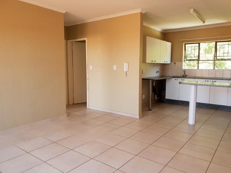 Property For Rent in Ruimsig, Roodepoort 5