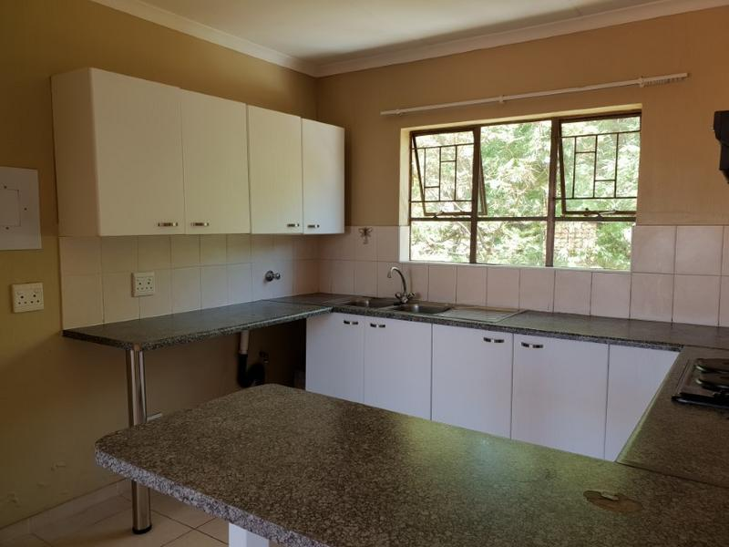 Property For Rent in Ruimsig, Roodepoort 4