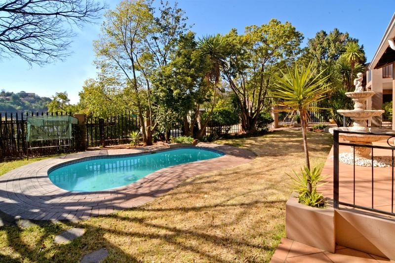 Property For Sale in Helderkruin, Roodepoort 5