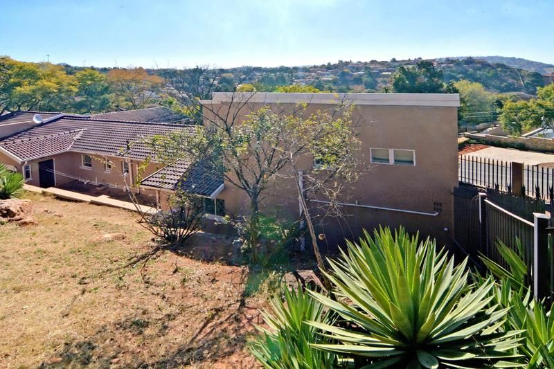 Property For Sale in Helderkruin, Roodepoort 31