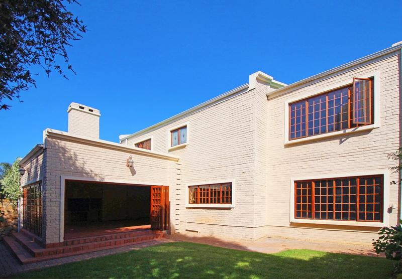 Property For Sale in Little Falls, Roodepoort 2