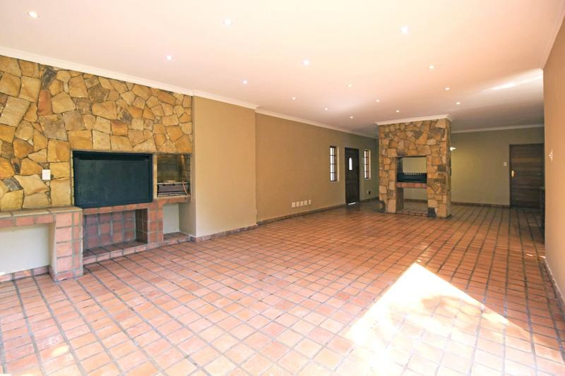 Property For Sale in Little Falls, Roodepoort 10