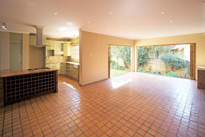 Property For Sale in Little Falls, Roodepoort 11