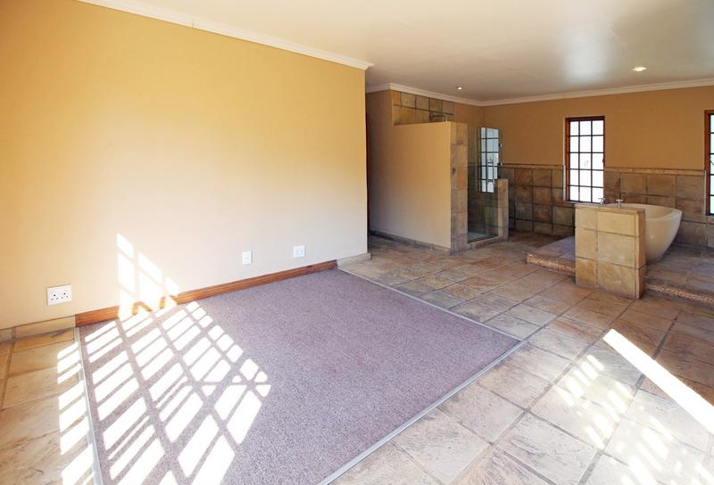 Property For Sale in Little Falls, Roodepoort 21