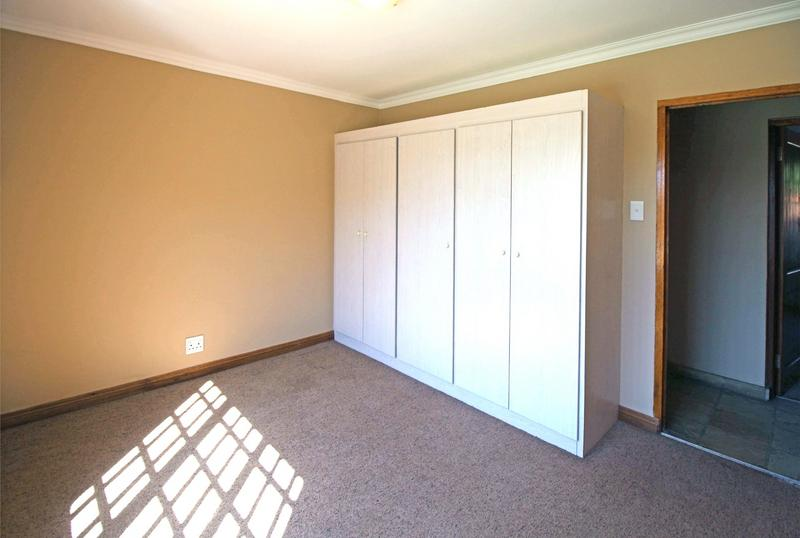 Property For Sale in Little Falls, Roodepoort 24