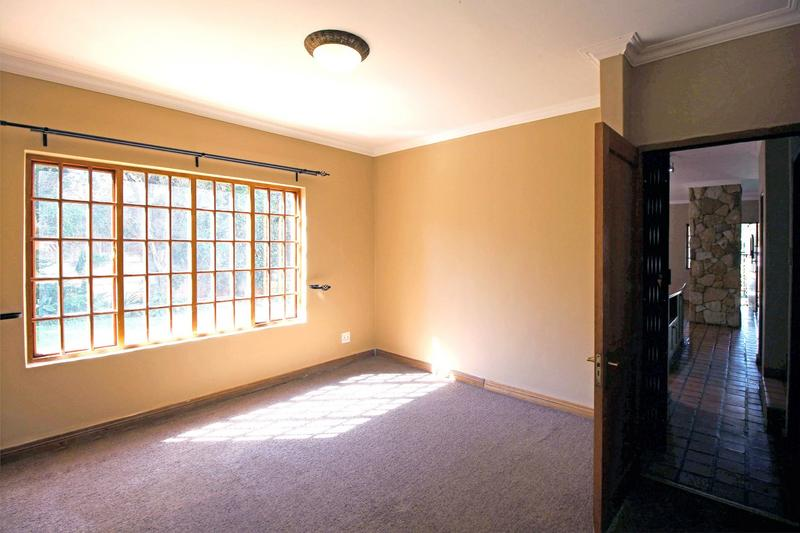 Property For Sale in Little Falls, Roodepoort 27