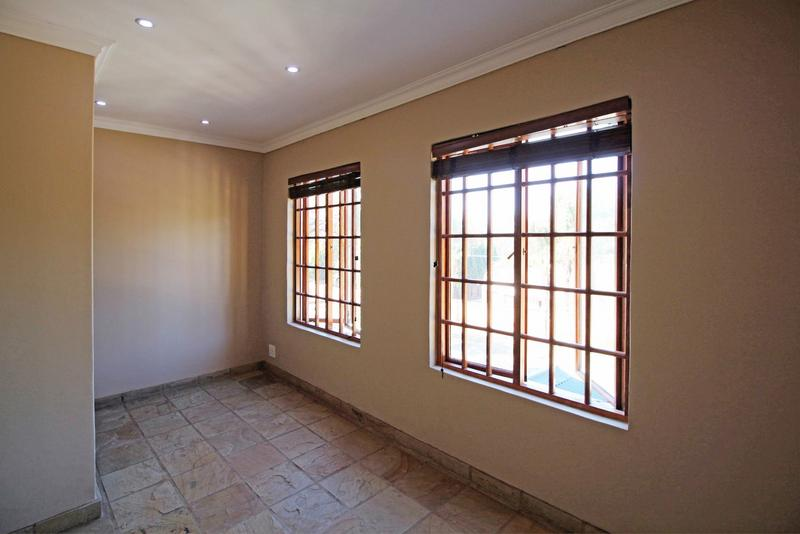 Property For Sale in Little Falls, Roodepoort 30