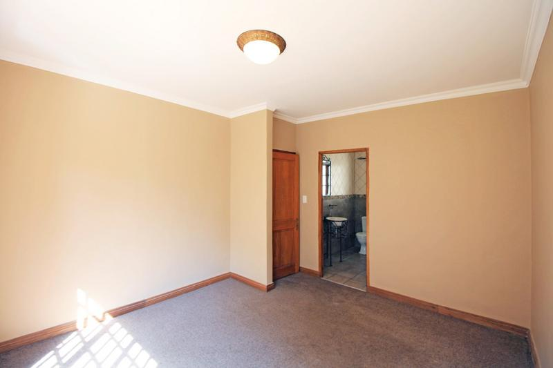 Property For Sale in Little Falls, Roodepoort 31