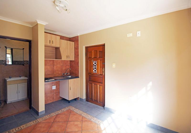 Property For Sale in Little Falls, Roodepoort 34