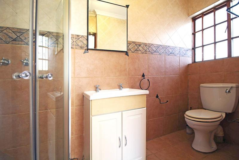 Property For Sale in Little Falls, Roodepoort 35