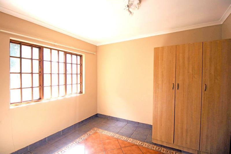 Property For Sale in Little Falls, Roodepoort 36
