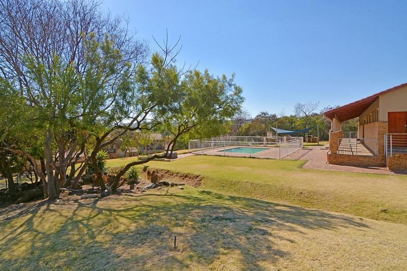 Property For Sale in Ruimsig, Roodepoort 25