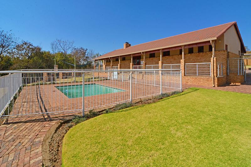 Property For Sale in Ruimsig, Roodepoort 24