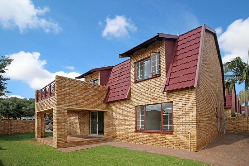 Property For Sale in Willowbrook, Roodepoort 1