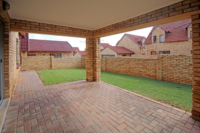Property For Sale in Willowbrook, Roodepoort 11