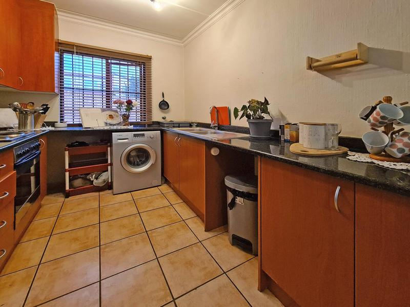 Property For Sale in Ruimsig, Roodepoort 4