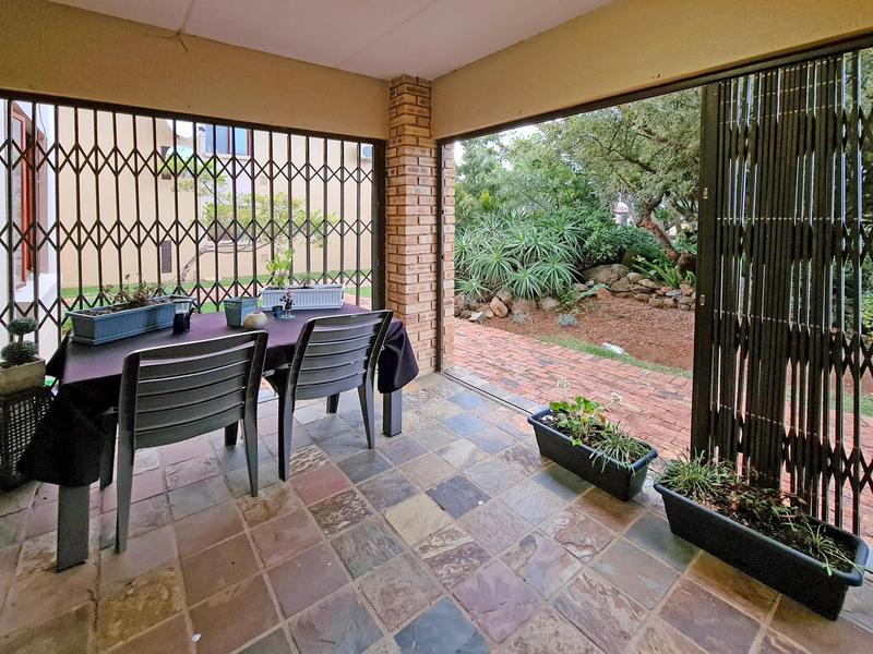 Property For Sale in Ruimsig, Roodepoort 19
